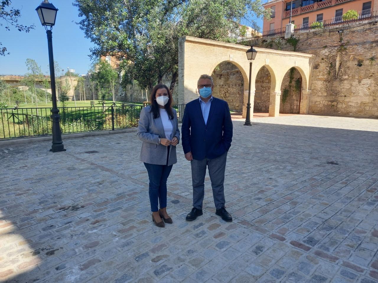 Esteban Morales y Ana Carrillo en La Alianza