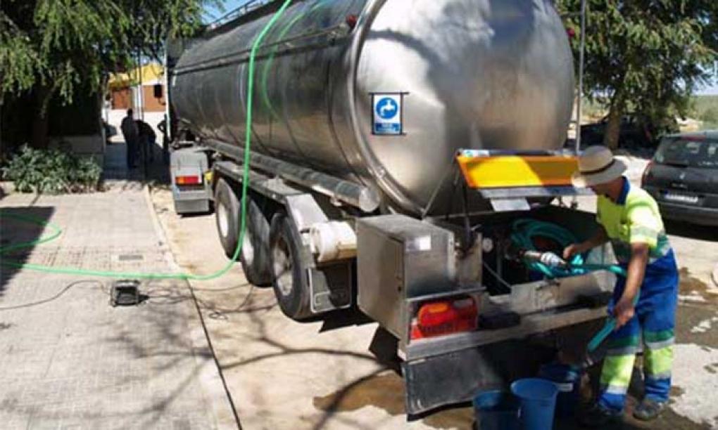 Abastecimiento de agua en La Mina