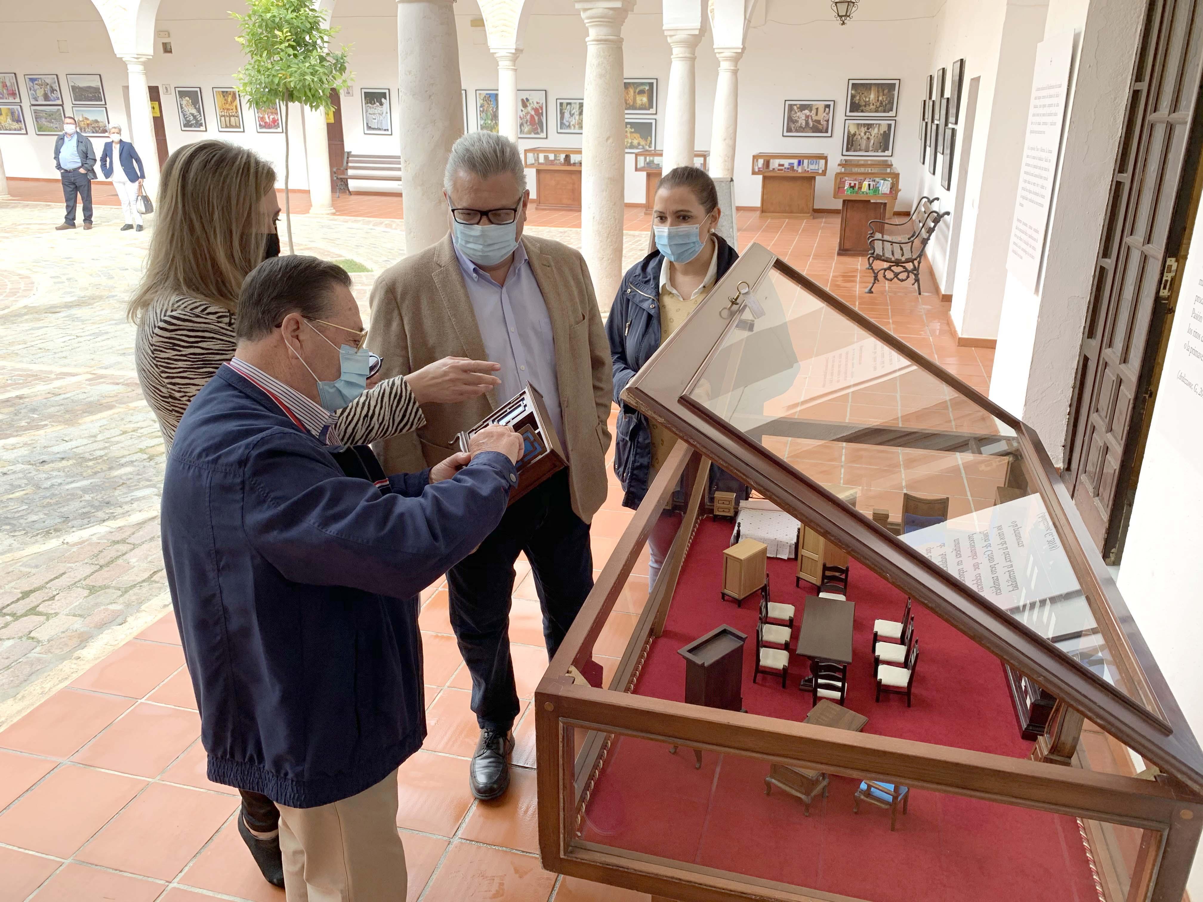 Exposición de artesanía en Los Frailes