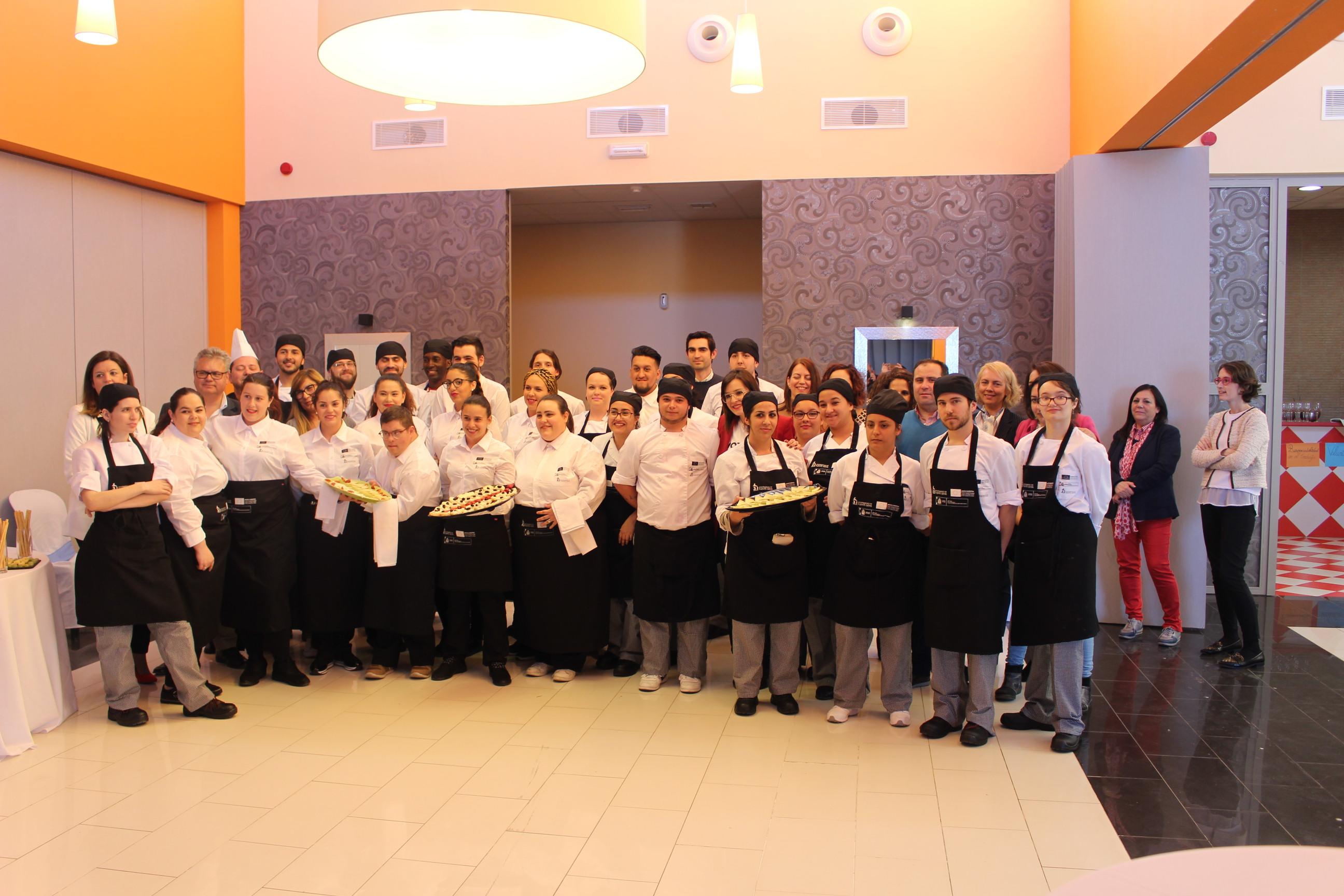 """Clausura del itinerario formativo del """"Puente Genil Emplea Joven"""" Gastrociudad II """"Operaciones básicas de restaurante y bar"""""""