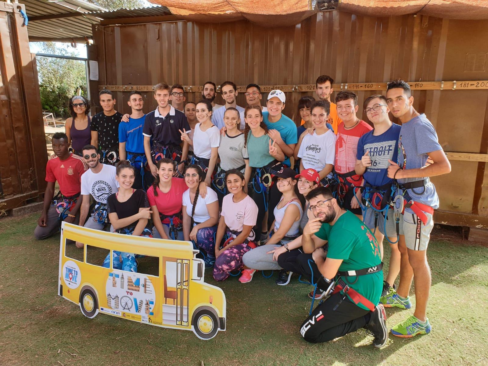 Jóvenes participantes en el campamento