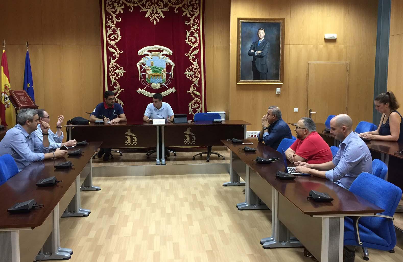 Reunión del Consejo Escolar  en el inicio del curso
