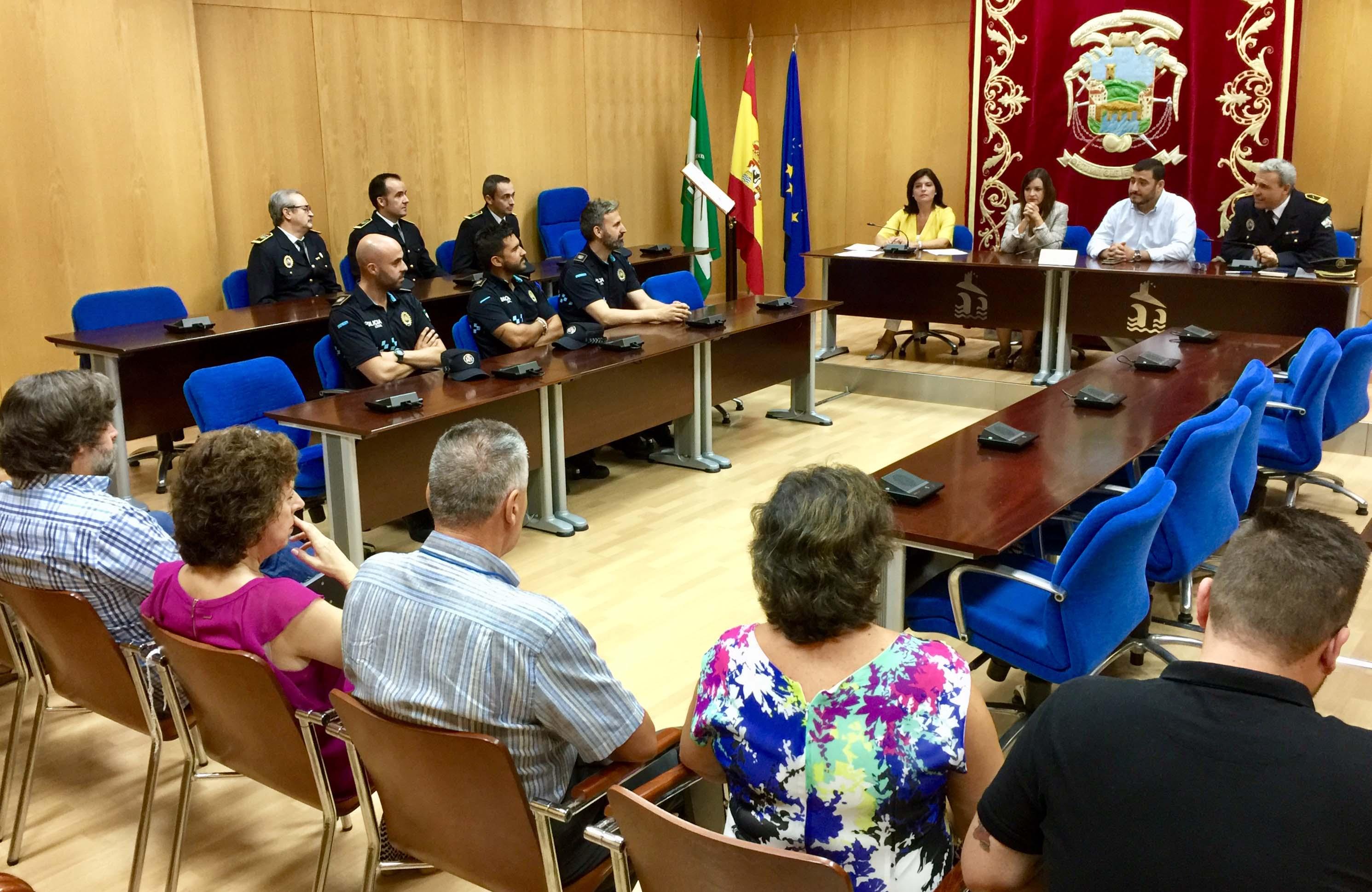 Los policías toman posesión de sus cargos