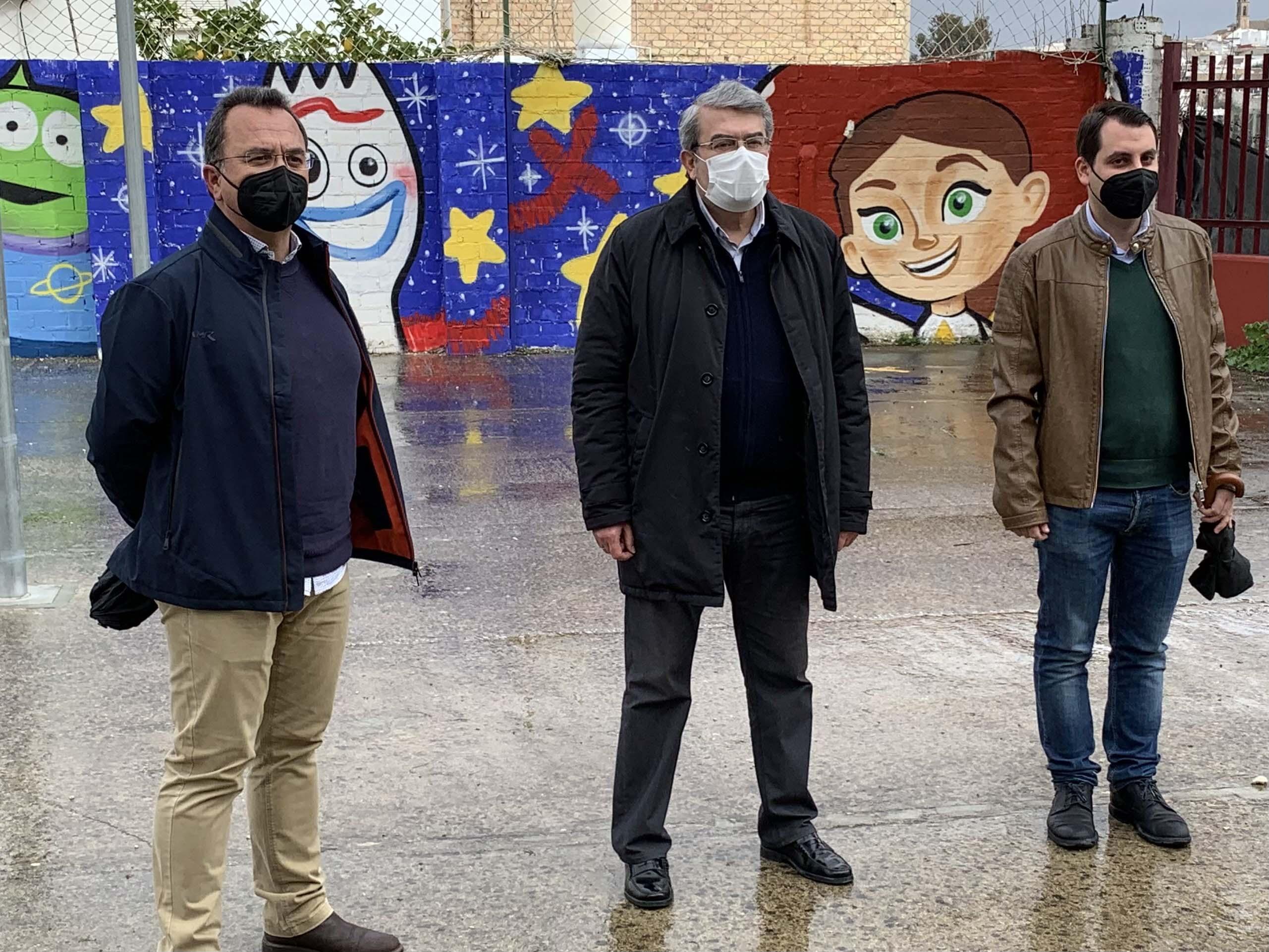Visita al mural del colegio