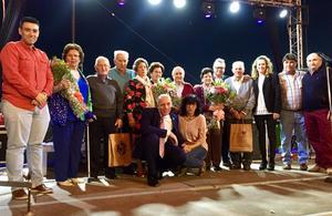 Familias homenajeadas en la Fiesta de las Aldeas