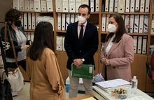 El delegado y la concejala en la visita