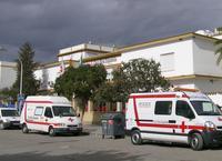 Ambulancias junto al centro de Cruz Roja