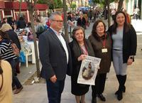 El alcalde y la concejala junto a las organizadoras